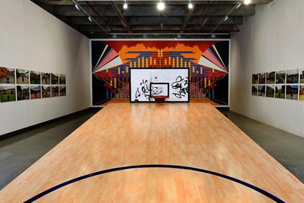 Balance / Tableros de basquetbol, madera y cubierta de madera laminada / 1000 x 450 x 300 cm